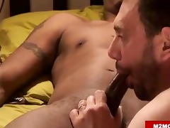 cuban dude fucking a withe boy