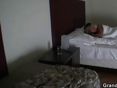 two dudes try her old pussy