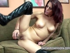 horny milf lavender rayne uses a toy on her pink