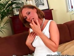 older lady with hawt body gets screwed on the