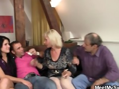 sweetie receives lured into 3some by her bfs