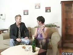old mom spreads her legs for hard dick