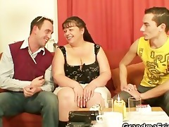 interview with chubby woman leads to threesome