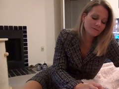 mamma gives pantyhose foot job d10