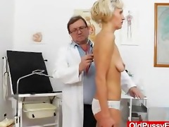 fake dong in pussy during a mother gyno