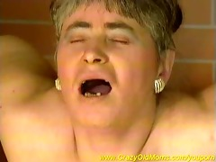 bulky old mom can hard fucking