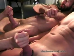 twink s garb screwed by muscle daddys