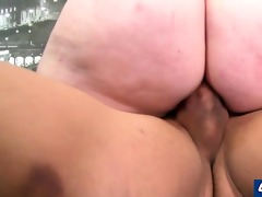 big divorced mommy copulates her bald pussy