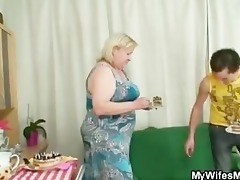 wife comes in when her massive mom rides my cock