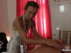 old masseuse receives her unshaved snatch pounded