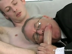 corpulent dad receives his ass drilled by skinny