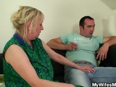 she is finds her old mamma sitting on her bfs cock