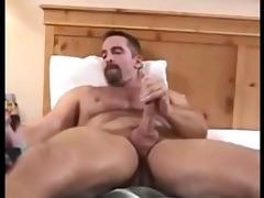 shaggy daddy jerks off